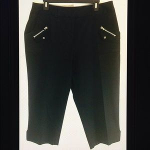 Avenue Cotton Zipper Stud Accent Crop Capri Pants
